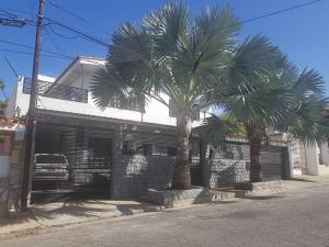 Casa En Ventaen Catia La Mar, La Colina De Catia La Mar, Venezuela, VE RAH: 18-16967