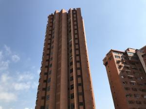 Apartamento En Alquileren Maracaibo, Avenida El Milagro, Venezuela, VE RAH: 18-17018