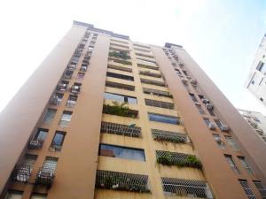 Apartamento En Ventaen Valencia, San Jose De Tarbes, Venezuela, VE RAH: 18-17041