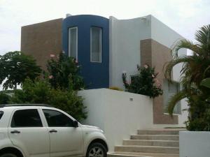 Townhouse En Ventaen Margarita, La Asuncion, Venezuela, VE RAH: 18-17090