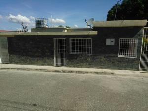 Casa En Ventaen Cabudare, Parroquia Agua Viva, Venezuela, VE RAH: 19-25