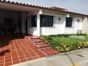 Casa En Ventaen Cabudare, Parroquia José Gregorio, Venezuela, VE RAH: 19-179