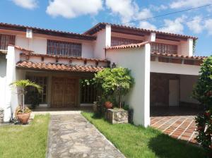 Casa En Ventaen Barquisimeto, Parroquia Santa Rosa, Venezuela, VE RAH: 19-184