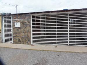 Casa En Ventaen Barquisimeto, Parroquia Tamaca, Venezuela, VE RAH: 19-253