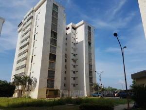 Apartamento En Ventaen Cabimas, Calle Chile, Venezuela, VE RAH: 19-431
