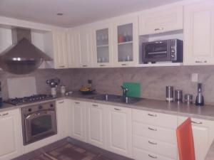 Apartamento En Ventaen Maracaibo, Avenida Milagro Norte, Venezuela, VE RAH: 19-456