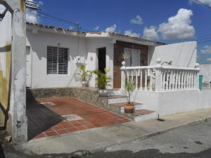 Casa En Ventaen Barquisimeto, Parroquia El Cuji, Venezuela, VE RAH: 19-467