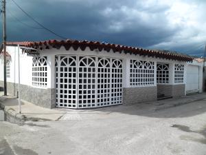 Casa En Ventaen Turmero, Villa El Rosal, Venezuela, VE RAH: 19-505
