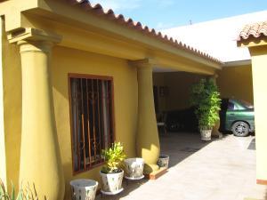 Casa En Ventaen Turmero, Los Overos, Venezuela, VE RAH: 19-506