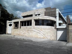 Townhouse En Ventaen Maracay, La Floresta, Venezuela, VE RAH: 19-517