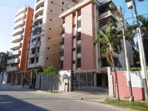 Apartamento En Ventaen Maracay, La Soledad, Venezuela, VE RAH: 19-599