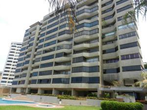 Apartamento En Ventaen Catia La Mar, Playa Grande, Venezuela, VE RAH: 19-607