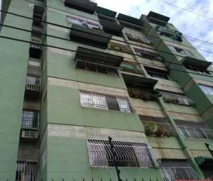 Apartamento En Ventaen Maracay, San Miguel, Venezuela, VE RAH: 19-610