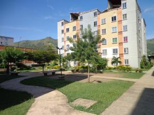 Apartamento En Ventaen Municipio San Diego, Terrazas De San Diego, Venezuela, VE RAH: 19-671