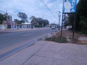 Terreno En Ventaen Ciudad Ojeda, Avenida Vargas, Venezuela, VE RAH: 19-789