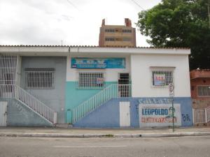 Casa En Ventaen Barquisimeto, Parroquia Santa Rosa, Venezuela, VE RAH: 19-828