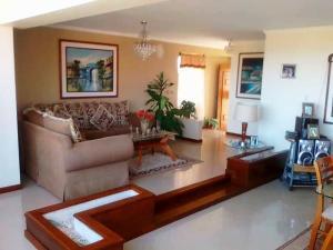 Apartamento En Alquileren Maracaibo, El Milagro, Venezuela, VE RAH: 19-884