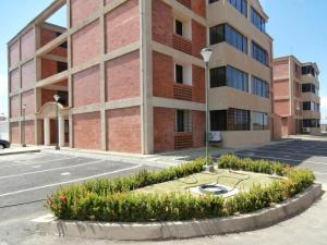Apartamento En Ventaen Coro, Plaza Suiza, Venezuela, VE RAH: 19-894