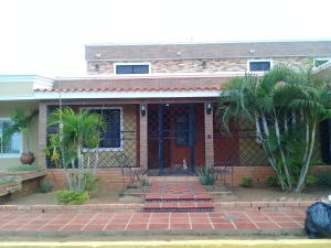 Casa En Ventaen Maracaibo, Santa Fe, Venezuela, VE RAH: 19-914