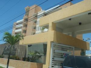 Apartamento En Ventaen Higuerote, Agua Sal, Venezuela, VE RAH: 19-997