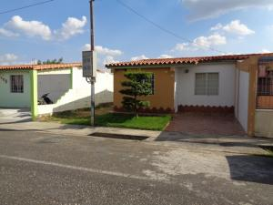 Casa En Ventaen Acarigua, Centro, Venezuela, VE RAH: 19-1044
