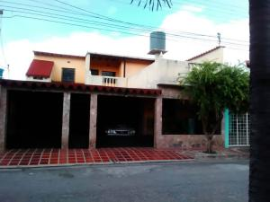 Casa En Ventaen Turmero, La Mantuana, Venezuela, VE RAH: 19-1053