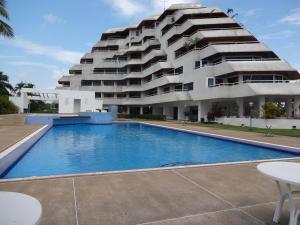 Apartamento En Ventaen Rio Chico, Los Canales De Rio Chico, Venezuela, VE RAH: 19-1078