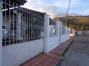 Casa En Ventaen La Victoria, La Mora Ii, Venezuela, VE RAH: 19-1141