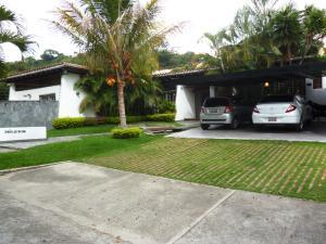 Casa En Ventaen Caracas, Prados Del Este, Venezuela, VE RAH: 19-1182