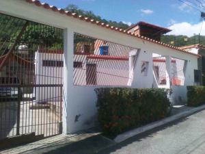 Casa En Ventaen Guatire, Valle Arriba, Venezuela, VE RAH: 19-1180