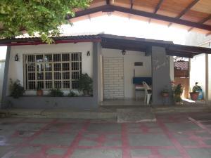 Casa En Ventaen Coro, Avenida Independencia, Venezuela, VE RAH: 19-1183