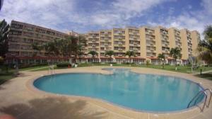 Apartamento En Ventaen Higuerote, Agua Sal, Venezuela, VE RAH: 19-1310