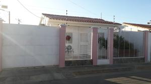 Casa En Ventaen Coro, Aristides Calvani, Venezuela, VE RAH: 19-3657
