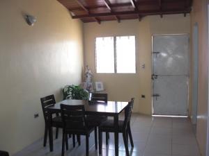 Casa En Ventaen Coro, El Bosque, Venezuela, VE RAH: 19-1419