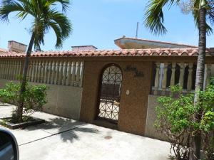 Casa En Ventaen Higuerote, Ciudad Balneario Higuerote, Venezuela, VE RAH: 19-1483