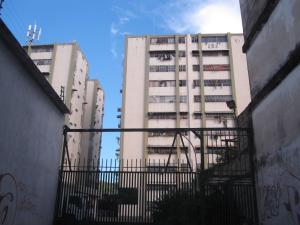 Apartamento En Ventaen Turmero, Zona Centro, Venezuela, VE RAH: 19-1494