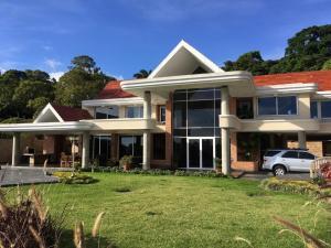 Casa En Ventaen Caracas, La Lagunita Country Club, Venezuela, VE RAH: 19-4005