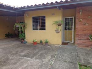 Casa En Ventaen Valencia, Rafael Urdaneta, Venezuela, VE RAH: 19-1540
