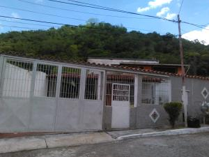 Casa En Ventaen Guatire, Valle Arriba, Venezuela, VE RAH: 19-1524