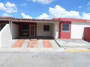 Casa En Ventaen Cabudare, Parroquia Cabudare, Venezuela, VE RAH: 19-1526