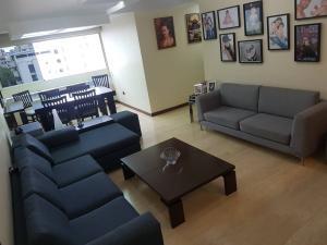 Apartamento En Ventaen Caracas, Bello Monte, Venezuela, VE RAH: 19-1530