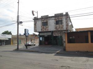 Local Comercial En Ventaen Maracay, Campo Alegre, Venezuela, VE RAH: 19-1642
