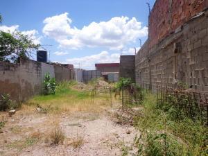 Terreno En Ventaen Cagua, Centro, Venezuela, VE RAH: 19-1654
