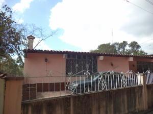 Casa En Ventaen Charallave, Los Anaucos, Venezuela, VE RAH: 19-1816