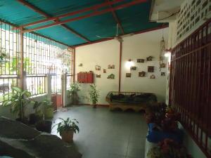 Casa En Ventaen Catia La Mar, Ezequiel Zamora, Venezuela, VE RAH: 19-1863