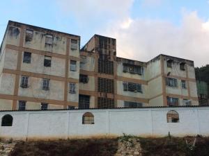 Apartamento En Ventaen Caracas, Caricuao, Venezuela, VE RAH: 19-1914