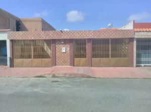 Casa En Ventaen Maracaibo, La Rotaria, Venezuela, VE RAH: 19-1993