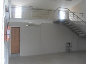 Oficina En Ventaen Valencia, Sabana Larga, Venezuela, VE RAH: 19-2123