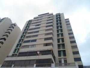 Apartamento En Ventaen Catia La Mar, Playa Grande, Venezuela, VE RAH: 19-2239