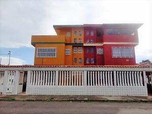 Casa En Ventaen Higuerote, Ciudad Balneario Higuerote, Venezuela, VE RAH: 19-2236